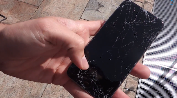 Drop test of iPhone 6 and iPhone 6 Plus
